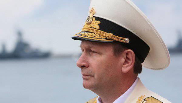 रूसी नौसेना के कमांडर-इन-चीफ अपने पेशेवर अवकाश पर मरीन को बधाई देते हैं
