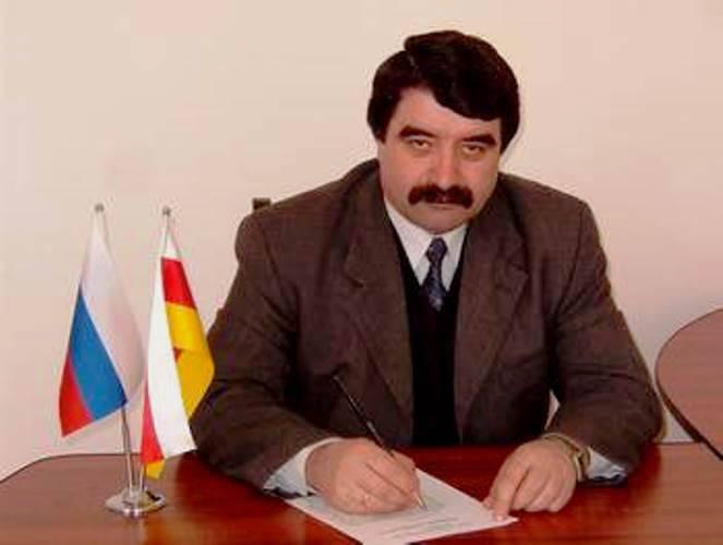 Южная Осетия просит РФ заключить с ней новый договор, в котором на первом месте будет военный союз