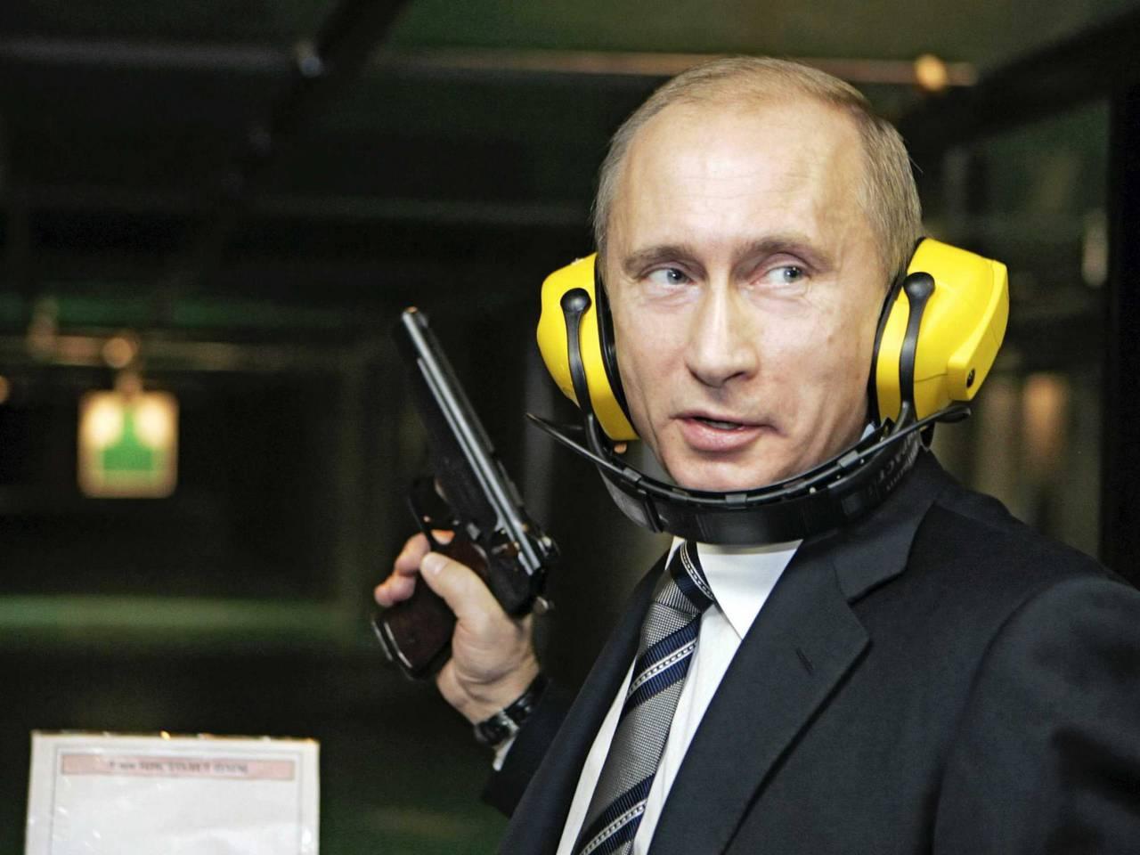 http://topwar.ru/uploads/posts/2014-11/1417133085_putin_gun.jpg