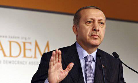 バイエルとの会話でのエルドアン首相は、トルコの無言に対する米国の圧力を呼んだ