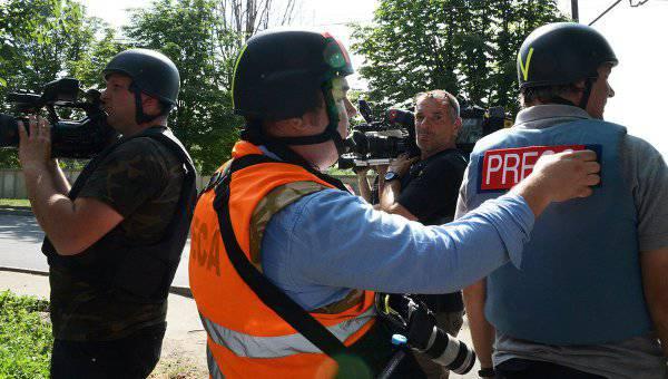 OSCE:ウクライナでの11月の2013以来、7ジャーナリストは亡くなりました、170は負傷しました