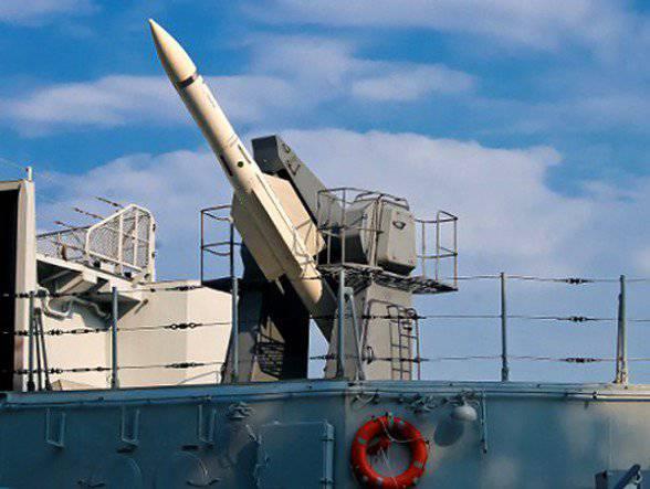防空システム「Calm-1」のための新しいランチャーはフリゲート艦「提督エッセン」を受けました