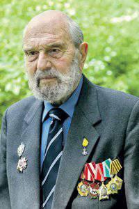 जॉर्ज ब्लेक हमारे समय के सर्वश्रेष्ठ स्काउट्स में से एक हैं। Www.svr.gov.ru से तस्वीरें
