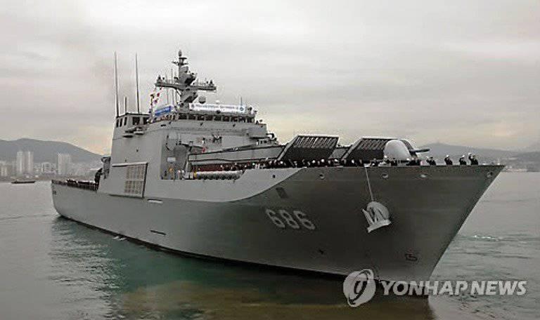 दक्षिण कोरियाई नौसेना को एक नया लैंडिंग जहाज मिला