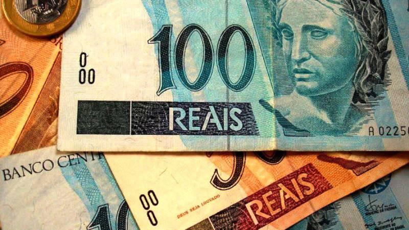 उरुग्वे और ब्राजील अब आपसी बस्तियों में डॉलर का उपयोग नहीं करते हैं