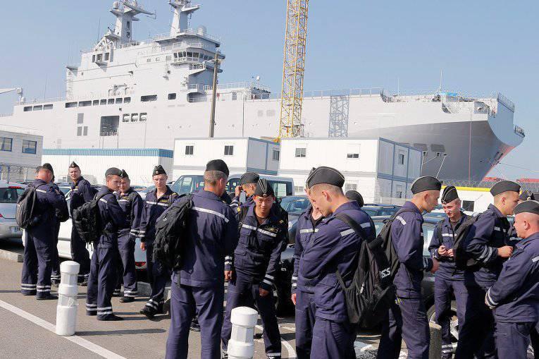 """रूसी नाविक संत-नाज़ायर में """"मिस्ट्रल"""" के हस्तांतरण की प्रतीक्षा कर रहे होंगे"""