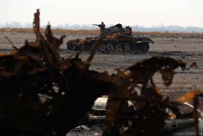 民兵DNIは「ドネツク空港でのロシア軍の破壊について」ukrofeykに答えました