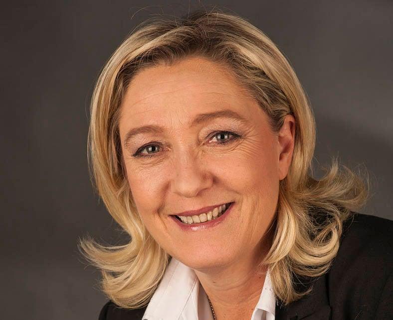 Марин Ле Пен обозвала Олланда рохлей и восхитилась Путиным