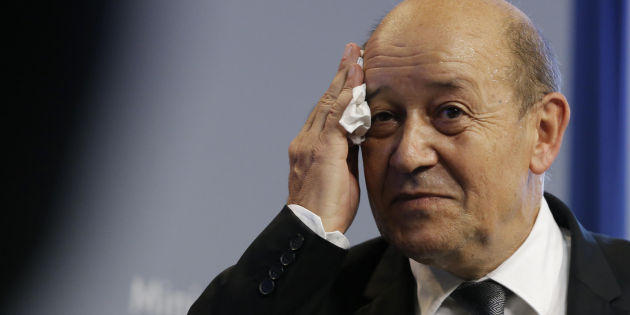 French defense minister says Paris may never pass the Mistral to Russia