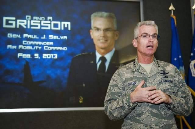 अमेरिकी जनरल ने कहा कि संयुक्त राज्य अमेरिका रूस के माध्यम से अफगानिस्तान और अफगानिस्तान से माल और सैन्य कर्मियों के पारगमन की संभावना को बरकरार रखता है