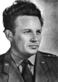 सोवियत संघ के नायक, कप्तान जी.एन. Eliseev