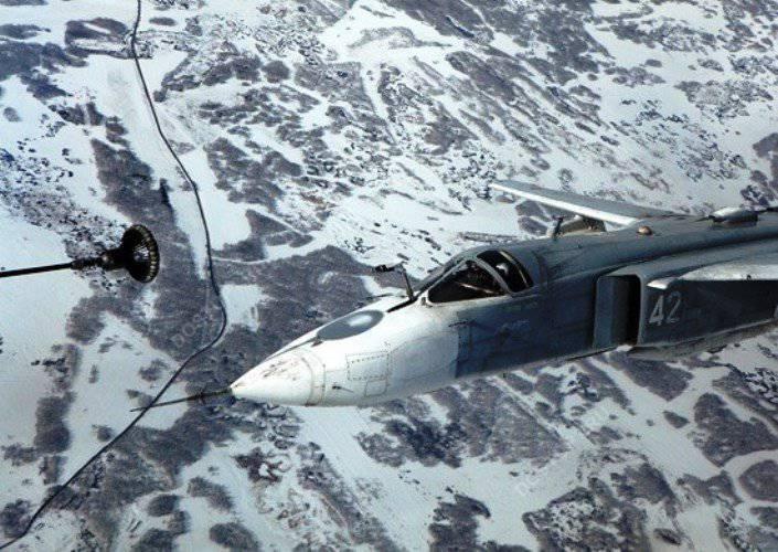 TsVOの飛行機は空中給油の練習を行いました