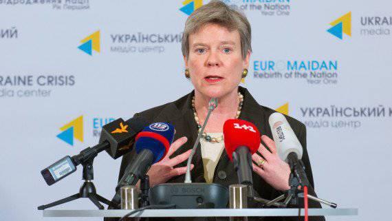 अमेरिकी विदेश विभाग के उप प्रमुख ने यूक्रेन में अपने स्वयं के परमाणु हथियारों के निर्माण की वकालत करने वाले यूक्रेनी समाज के प्रतिनिधियों को निराश किया है