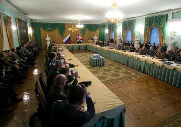 ロシア連邦軍の参謀本部長は、ロシア民兵の地位に関する下院での昨日の議論に関する情報を否定した