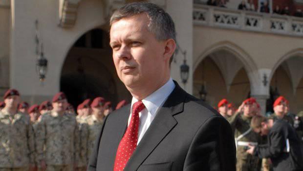 नाटो की ओर से पोलिश रक्षा मंत्रालय के प्रमुख ने रूस से निपटने का वादा किया