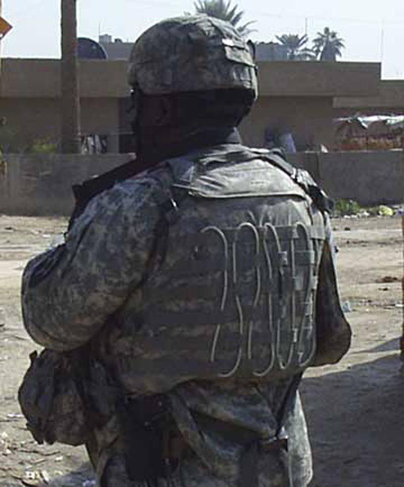 Tragbare Radiosender des Kampfkontrollnetzes