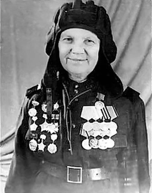 Женщины-танкисты Великой Отечественной войны. Александра Ращупкина