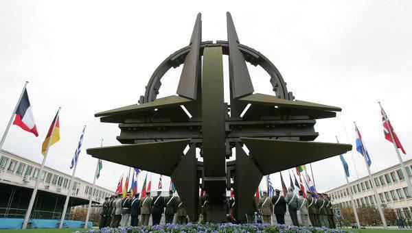 ロシア空軍の最高司令官:NATOはヨーロッパの活動を増加させ、ウクライナの危機の背後に隠れています