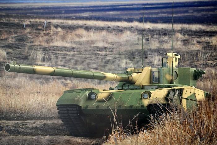 """プロジェクト """"Armata""""のニュース:価格と特性の問題"""