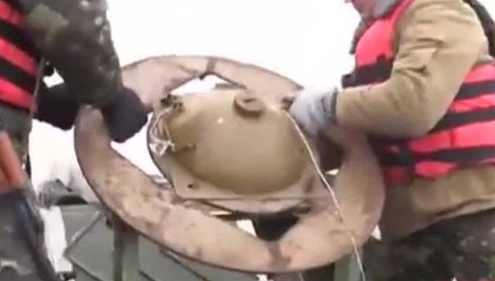 """कीव ने """"मिलिशिया पनडुब्बियों"""" की रक्षा के लिए मारियुपोल बंदरगाह के जल क्षेत्र को खदान करना शुरू किया"""