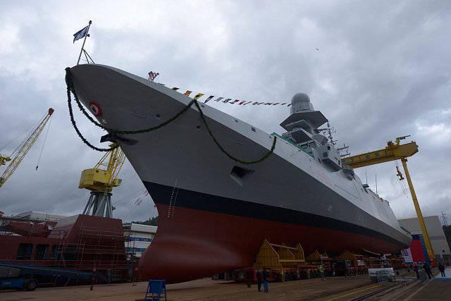 イタリア海軍の第5フリゲート艦クラスFREMMを発売