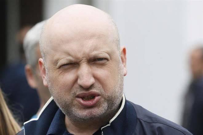 Turchinovは状況を「推定」して、ロシア経済は6ヶ月で崩壊すると宣言しました