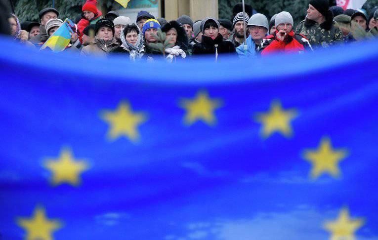 После «майданной» революции Украина отдала Западу больше денег, чем получила