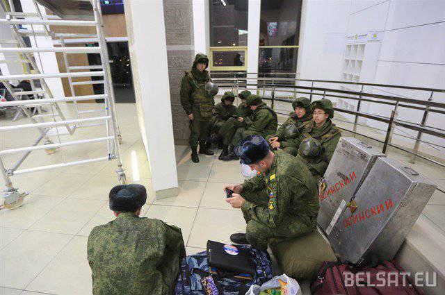 """Белорусские оппозиционеры обнаружили в республике российских военных """"без опознавательных знаков"""""""