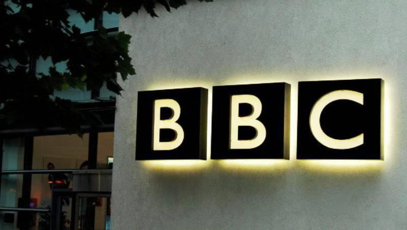 西側の専門家:BBCは資金不足のためロシアの情報戦争を失う