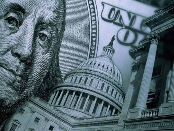 連邦評議会のメンバーはドルが24-26ルーブルに落ちるシナリオを発表しました。