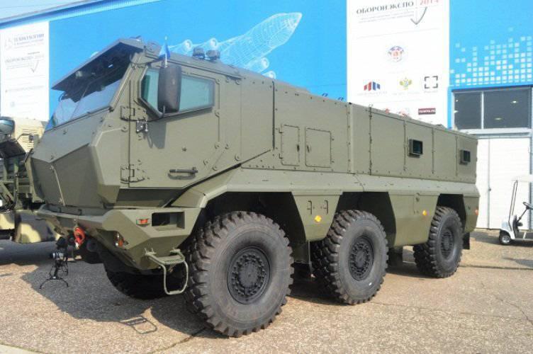 30 टायफून बख्तरबंद वाहन रक्षा मंत्रालय पहुंचे
