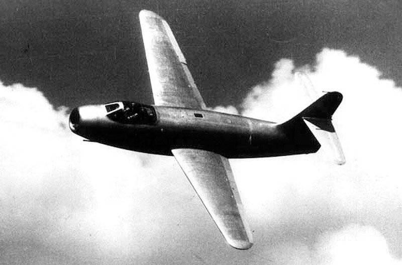 実験戦闘機ヤク-19