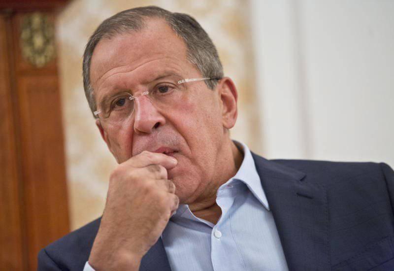 ラヴロフ:ウクライナでクーデターを支持した人々、それは財政援助に行く時間です