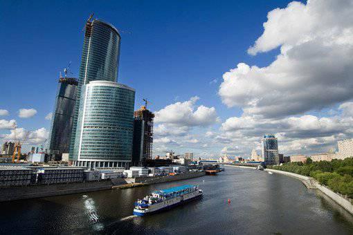 गज़ेटा वाईबॉर्ज़ा: नफरत की गर्मी में पश्चिम यह नहीं देखता कि मास्को एक यूरोपीय शहर है