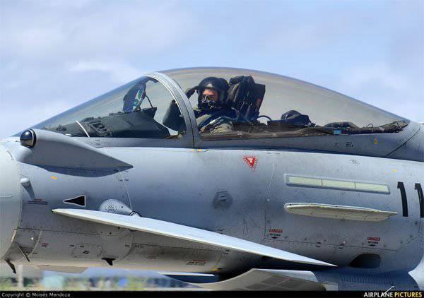"""स्पेनिश सेनानियों ने बाल्ट्स की """"रक्षा"""" करने के लिए उड़ान भरी"""