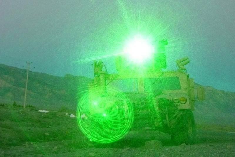 무기는 금지됩니다. 7의 일부. 눈을 멀게하는 레이저 무기