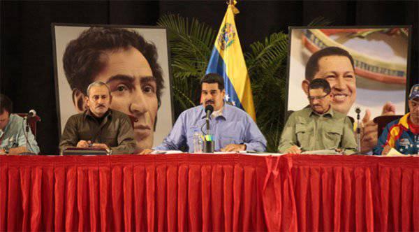 वेनेजुएला के राष्ट्रपति ने अपने विचारों को साझा किया कि तेल की कीमत में कमी किसके खिलाफ है