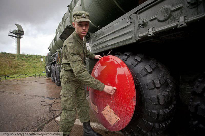 S-400 ट्रायम्फ एयर डिफेंस मिसाइल सिस्टम नोवाया ज़ेमल्या पर लड़ाकू ड्यूटी लगाएगा