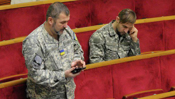 """今週の狂気。 """"キエフ、寝転んで!""""、300万のためのタラレイ空挺部隊と珠沙"""