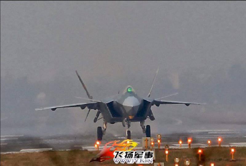 Истребитель Chengdu J-20 (Китай)