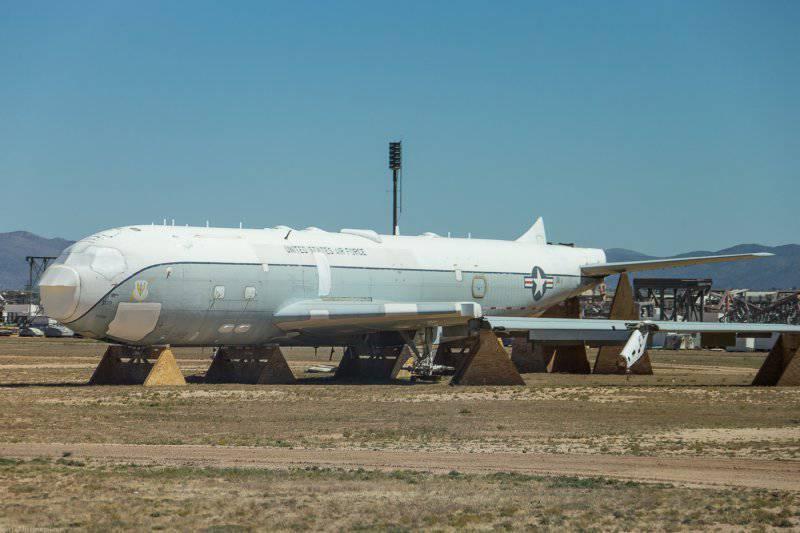 База Дэвис-Монтейн,хранилище самолетов ч.2