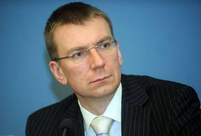 लातवियाई विदेश मंत्रालय के प्रमुख ने चुनौती की घोषणा की कि व्लादिमीर पुतिन नाटो के लिए फेंक रहा है