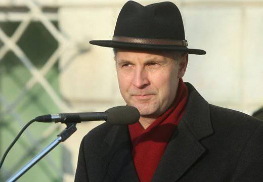 लातवियाई उप: लातवियाई राष्ट्रपति को विजय दिवस पर मास्को नहीं जाना चाहिए