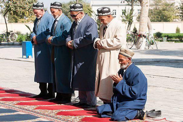 Обама передал поздравления с Новым годом узбекскому народу. Узбекский народ напрягся...