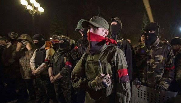 軍事専門家:「右セクター」の反乱は、ウクライナ軍全体に広がる可能性があります