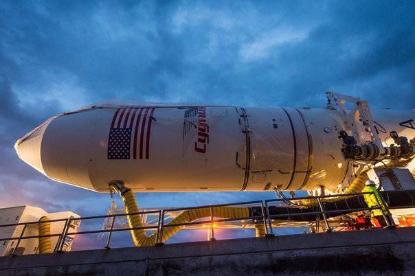 """専門家 """"Roskosmos"""":今後数年間で米国はロシアのロケットエンジンなしで行うことはできません"""