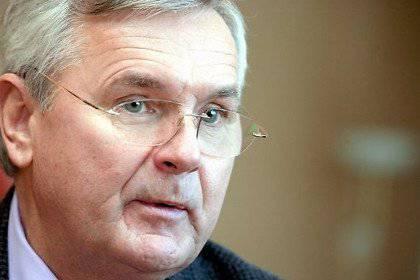 ラトビア外務省の元首長は、ロシア連邦へのクリミアの併合を支持した