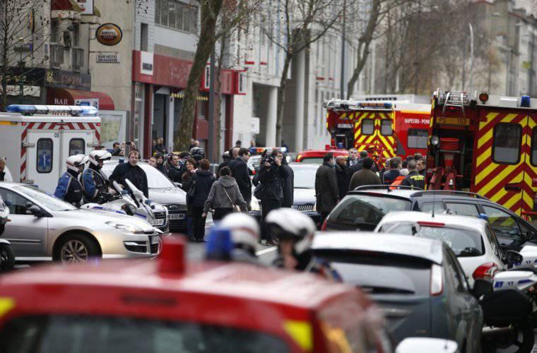 人質占領とパリの新戦闘