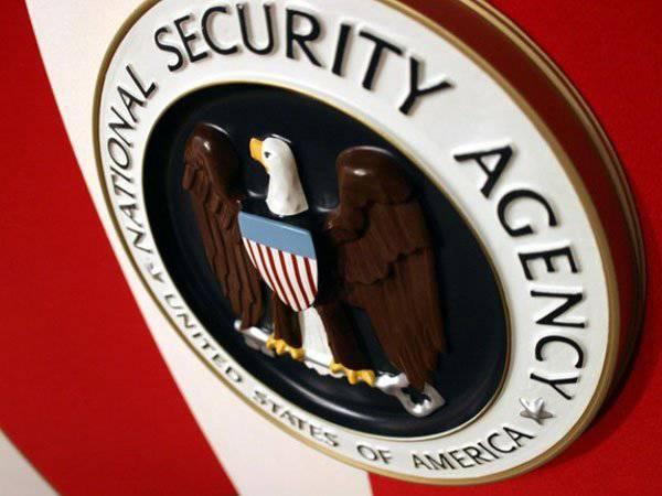 NSAは、彼らがIGの指導者たちの電話に耳を傾け、ヨーロッパでの差し迫ったテロ攻撃について学んだと言った