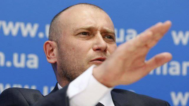 दिमित्री यरोश: यूक्रेन में एक सामाजिक विस्फोट चल रहा है